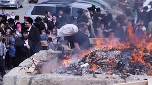 kosher chagne jews burn non kosher foods change dishes for passover