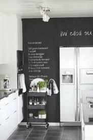 tableau noir pour cuisine 10 idées de tableau noir dans sa cuisine le tableau noir tableau