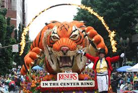 thanksgiving parade tickets 2012 portland grand floral parade route trimet info win passes