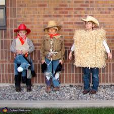Farmer Halloween Costumes Family Farm Creative Costumes Families Photo 8 9