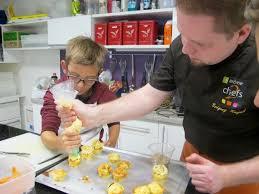 atelier de cuisine pour enfants atelier cuisine les enfants préparent l apéritif tmv tours