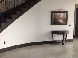 Ideas To Decorate Staircase Wall How To Decorate Curved Staircase Wall