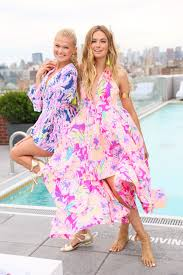 lilly pulitzer and stila teamed up for a perfectly preppy