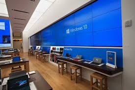 see microsoft u0027s new flagship store compared to an apple store