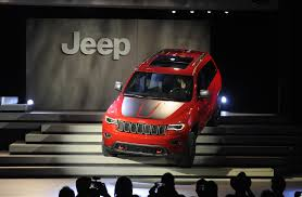 jeep grand cherokee 2017 black 2017 jeep grand cherokee trailhawk and updated summit launch in