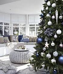 pretty blue and silver tree decorations 2017