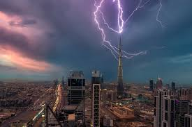 great bolts of lightning striking images from around the world