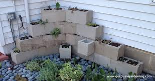 Concrete Block Garden Wall by Building A Concrete Block Planter