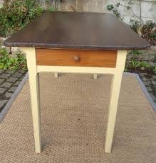 table de cuisine ancienne table de cuisine ancienne bois peint et patiné avec tiroir se