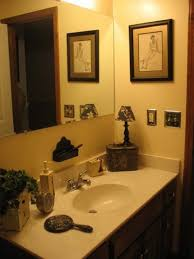 ideas how to decorate a bathroom 1000 ideas about small bathroom