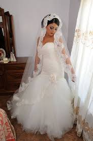 hairstyles with mantilla veil 8 best wedding hairstyles images on pinterest saddle pads