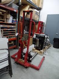 mobile pallet truck lift mw750 5ft lift height 750 lb capacity