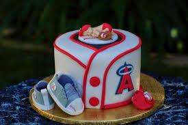 baby shower baseball theme baseball baby on a mit cake baseball baby shower cake 6