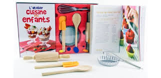 accessoire cuisine enfant ustensiles cuisine enfant conceptions de maison blanzza com