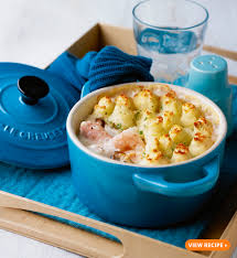 Fish Pot Pie by Le Creuset Pot Stars 5 Pot Pies You Need To Try This Winter