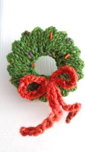 knitted mini wreath ornament so but no pattern