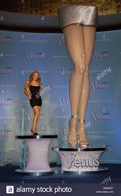 legs of a goddess 2006 gillette venus celebrity legs of a goddess unveiling stock
