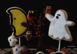halloween cake decorating ideas graveyard halloween graveyard cake pint sized baker