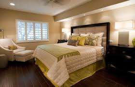 how to place throw pillows on a bed accent couch and pillow ideas for a cool contemporary home