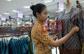 Toko Batik Danar Hadi gaya membudayakan batik di kalangan anak muda malang malang times
