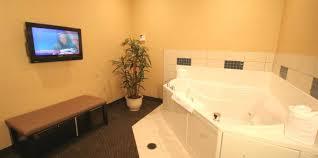 king whirlpool suite suites cambria hotel suites akron 219 whirlpool suite2 jpg