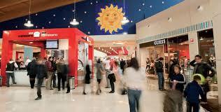 porte di catania negozi ferragosto crisi apre le porte dei centri commerciali e dei