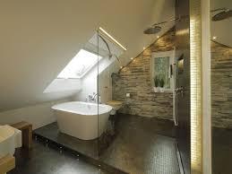 badezimmer mit schräge dachschräge badezimmer fortschrittliche auf badezimmer mit bad