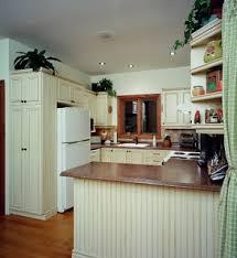 Cuisine Lambris - faux fini sur armoires de cuisine style chêtre rustique avec