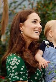kate middleton s earrings kate middleton recycles 475 suzannah tea dress for prince
