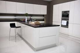 cuisine blanche avec ilot central cuisine blanc laque avec ilot cuisine blanche avec îlot central