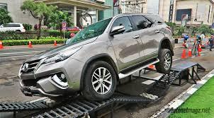 toyota suv indonesia toyota fortuner 2016 4wd indonesia road autonetmagz