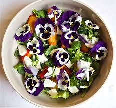 Salad With Edible Flowers - meatless monday make it colorful with my edible flowers salad