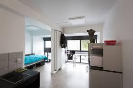 chambre du crous des logements adaptés aux handicaps au coeur de la vie étudiante
