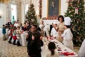 file state dining room of the white house during the christmas
