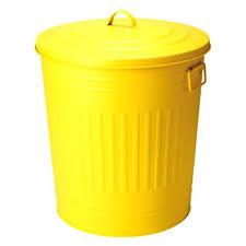 poubelle cuisine verte poubelle de cuisine verte poubelle mtal jaune la chaise longue with