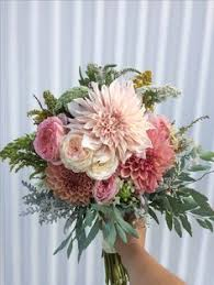 wedding flowers adelaide rustic wedding flowers brides bouquet adelaide florist dahlias