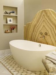 Photo Page HGTV - Bathtub backsplash