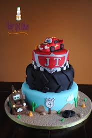 lightning mcqueen cakes best 25 lightning mcqueen cake ideas on lightning