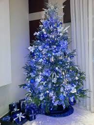 Blue And Silver Christmas Decorations Images by Best 25 Blue Christmas Tree Decorations Ideas On Pinterest Xmas