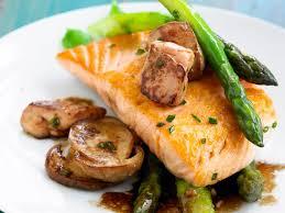 cuisiner foie gras frais saumon aux foie gras frais aux asperges et aux chignons