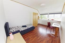 Schlafzimmerm El Nussbaum Ferienwohnung Alte Seester Schule Deutschland Westerkappeln