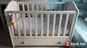 chambre bébé casablanca lit bébé a barreaux en bois massif hêtre 120 x 60 casablanca