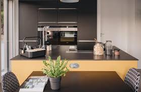 cuisine mouvement réalisations une cuisine en mouvement de cuisines avec perene