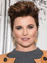 zena the warrior princess hairstyles remember xena warrior princess actress lucy lawless looks