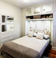 wohnideen kleinem raum kleine schlafzimmer kreativ gestalten 45 zeitgenössische ideen