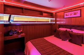 week end en amoureux avec dans la chambre chambre avec privatif le yacht hotel con week end