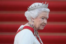 Queen Elizabeth by Queen Elizabeth U0027s Swans Are Being Mysteriously Murdered New York
