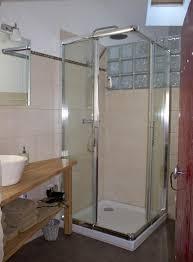 salle de bain chambre d hotes location chambre d hôtes n g15742 à autry issards gîtes de