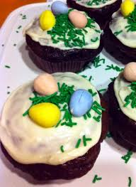 Decorating Easter Eggs With Icing by Spring And Easter Cupcakes W Chocolate Swiss Meringue Buttercream