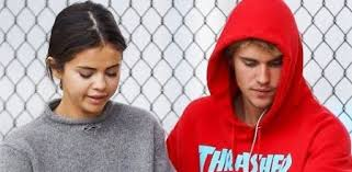 why selena gomez justin bieber were not together on thanksgiving